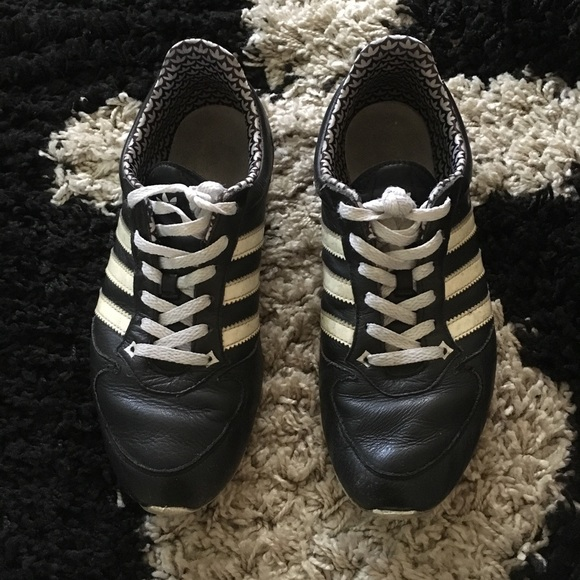 le adidas midiru 2 nero e scarpe bianche poshmark
